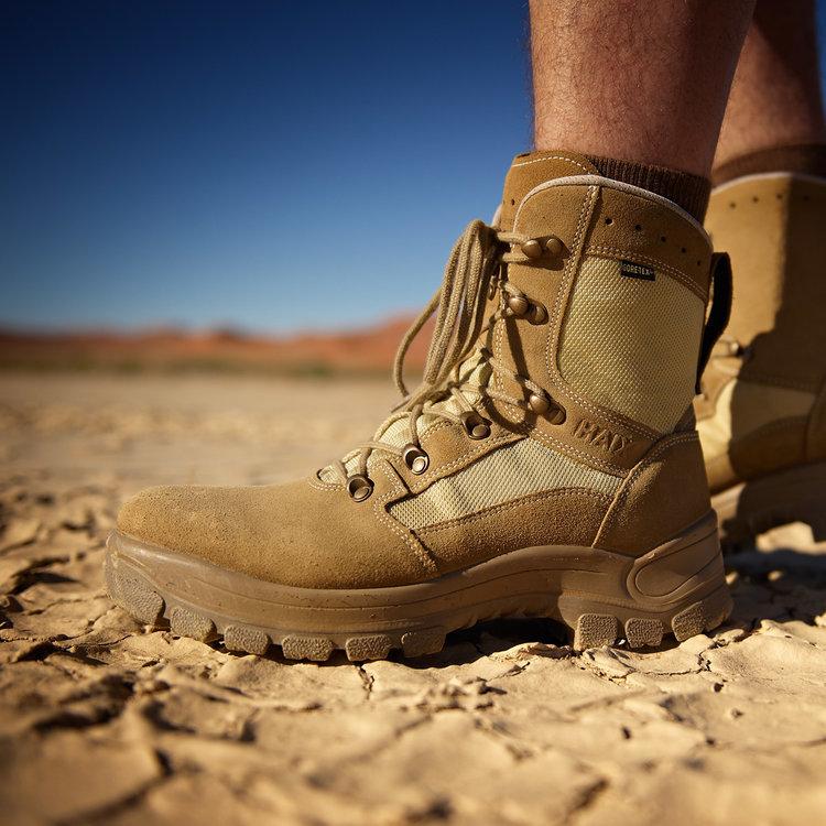 Rozciąganie butów z membraną